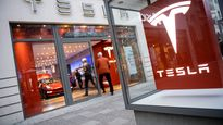 How Tesla super fans get the add-ons they can't get from Elon Musk
